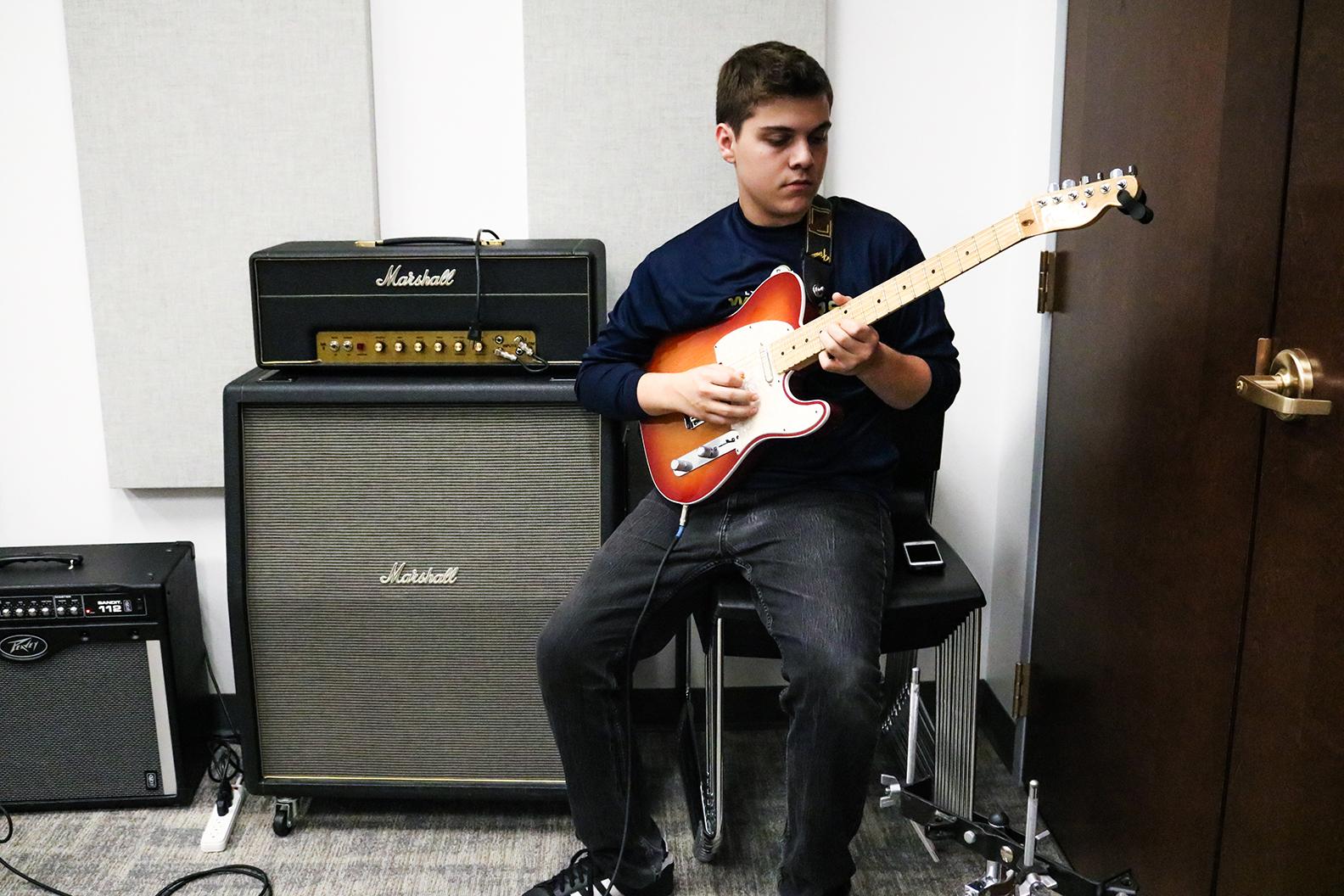 Eli_Electric_Guitar