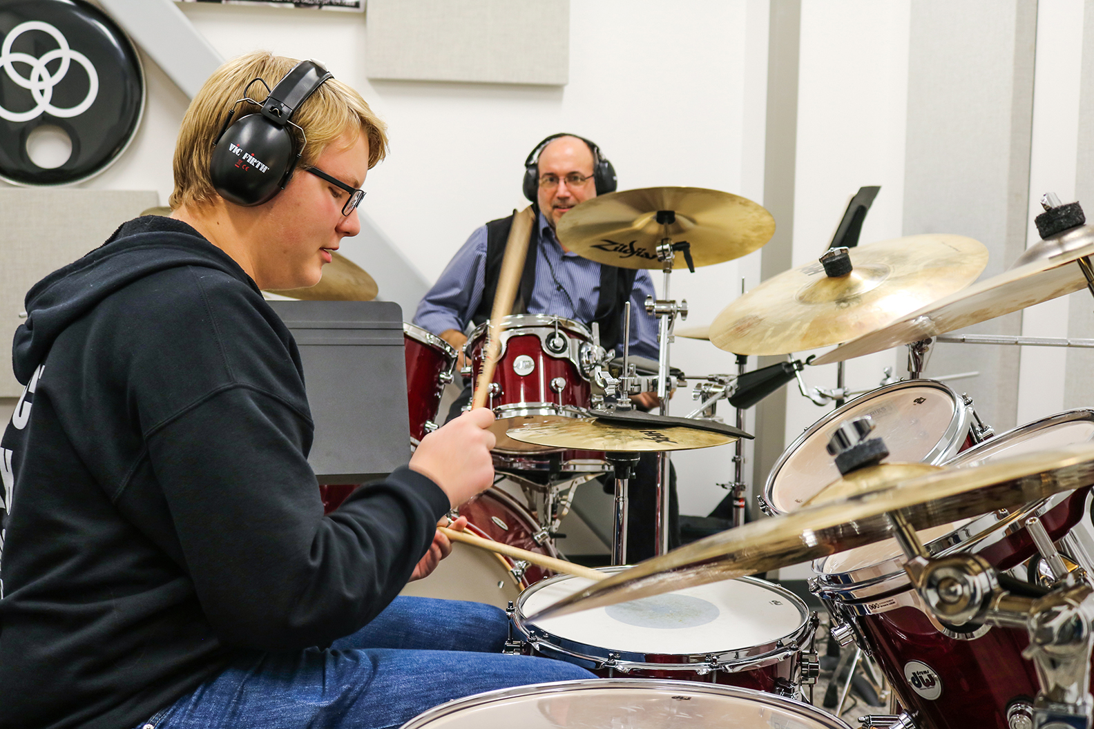 Bobby_Leidhecker_teaching_drum_lesson_5
