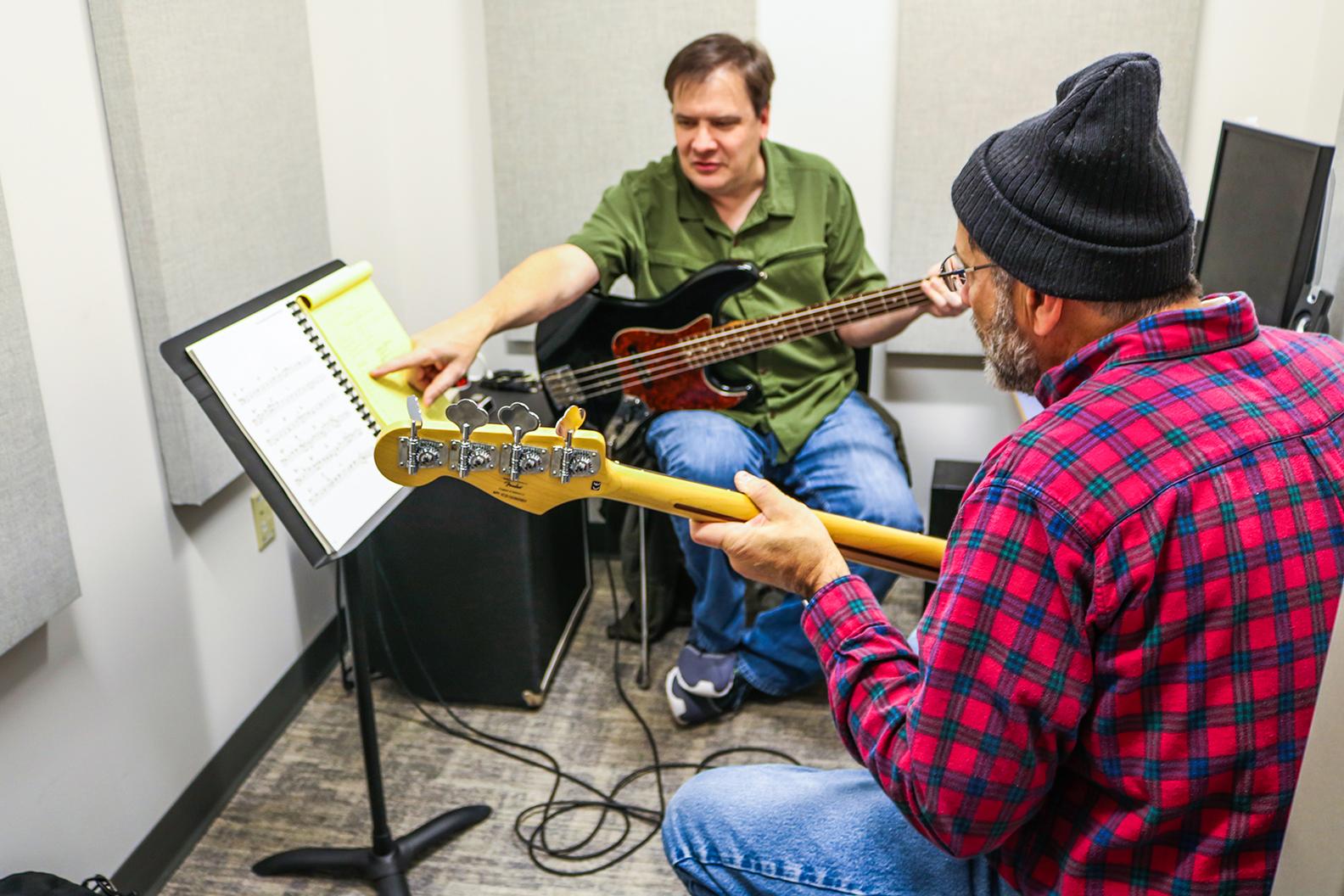 Tim Breon Teaching Bass Lesson